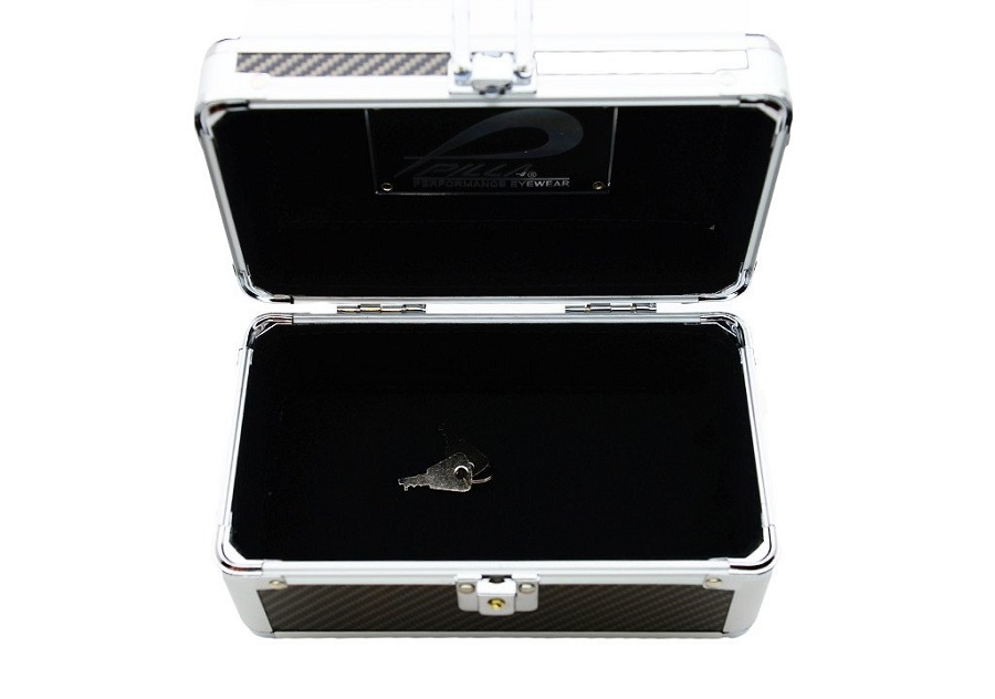 Pilla-aluminum-Black-Carbon-case-inside